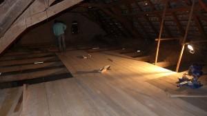 ein neuer Boden im Dachgeschoss